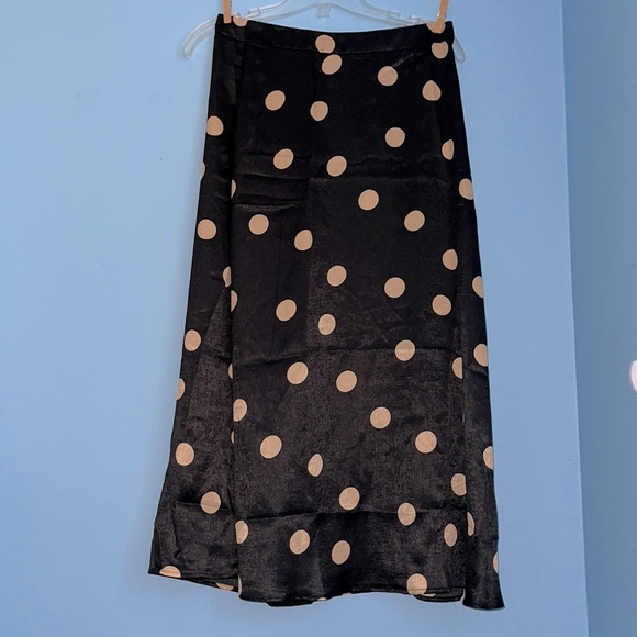 🆕 Mango Black Polka Dots Midi Skirt